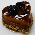 Πάστα σοκολάτα - σύκο με επικάλυψη καραμέλας σε σχήμα καρδιάς