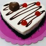 Τούρτα Βανίλια - Σοκολάτα σε σχήμα καρδιάς