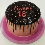 Τούρτα ψηλή sweet 18